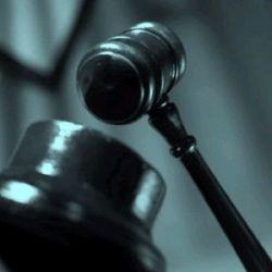 Baroul va putea cere despagubiri in instanta de la cei care exercita fara drept profesia de avocat